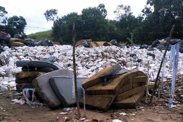 27-lixo-pjma1095FB742-981A-AC05-3980-8B29DAC05775.jpg